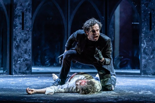 Richard III at HOME Manchester Tom Mothersdale